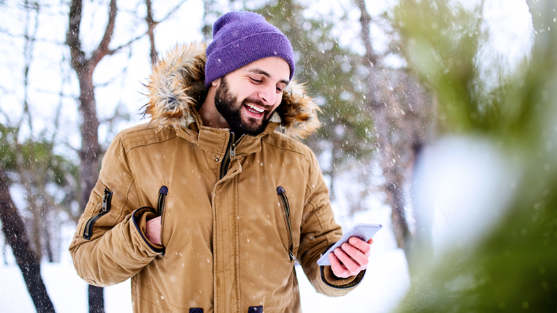 how to keep your phone warm during winter