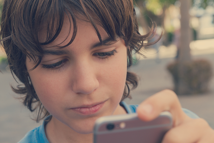 Teaching Kids Responsible Tech Use: Device Contracts