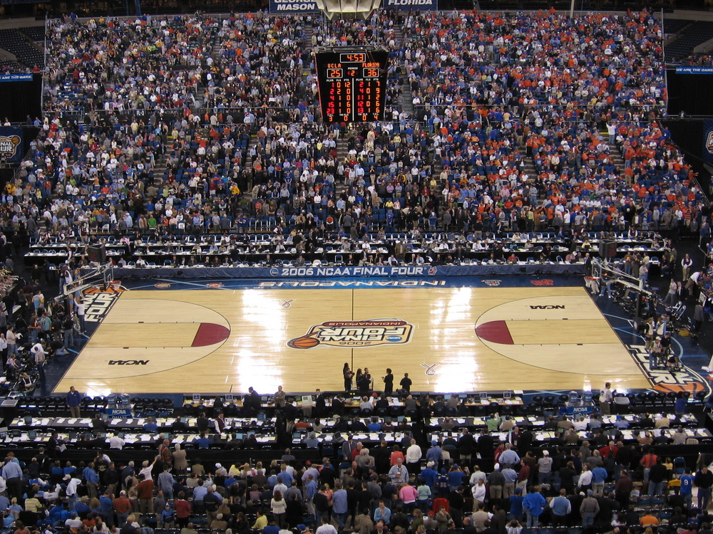 6 Battery Saving Tips for Streaming March Madness Games
