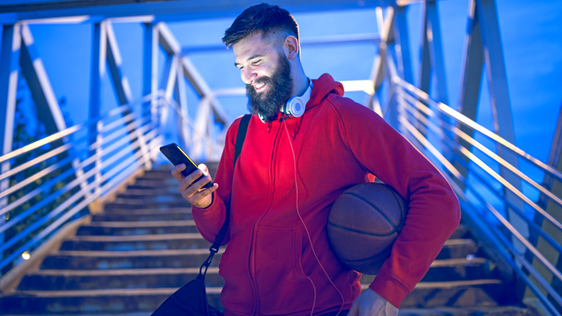 Battery saving tips for streaming March Madness games on your phone