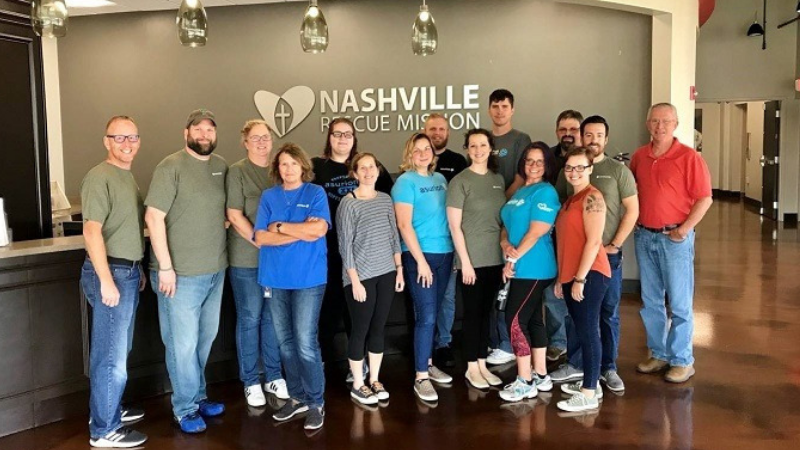 Asurion's Veterans Service Group volunteering