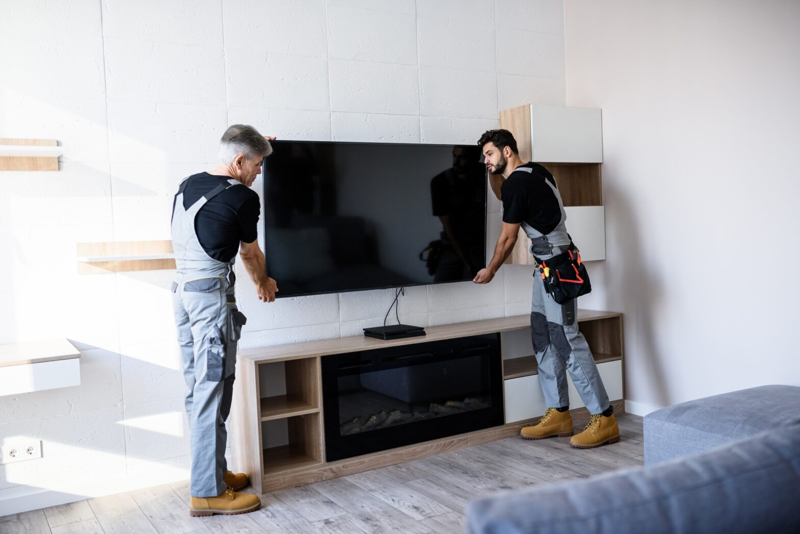 How to mount a Smart TV to your wall - Asurion